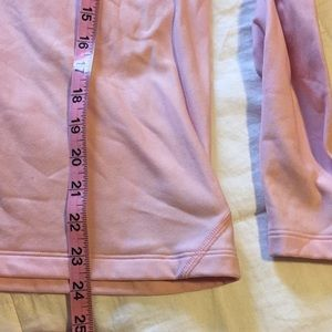 Under Armour Tops - EUC UNDER ARMOUR COLD GEAR Top🌸